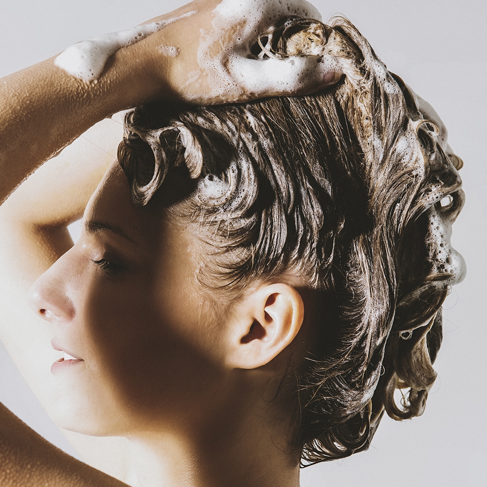 All about shampooing – the more the merrier? Nope!
